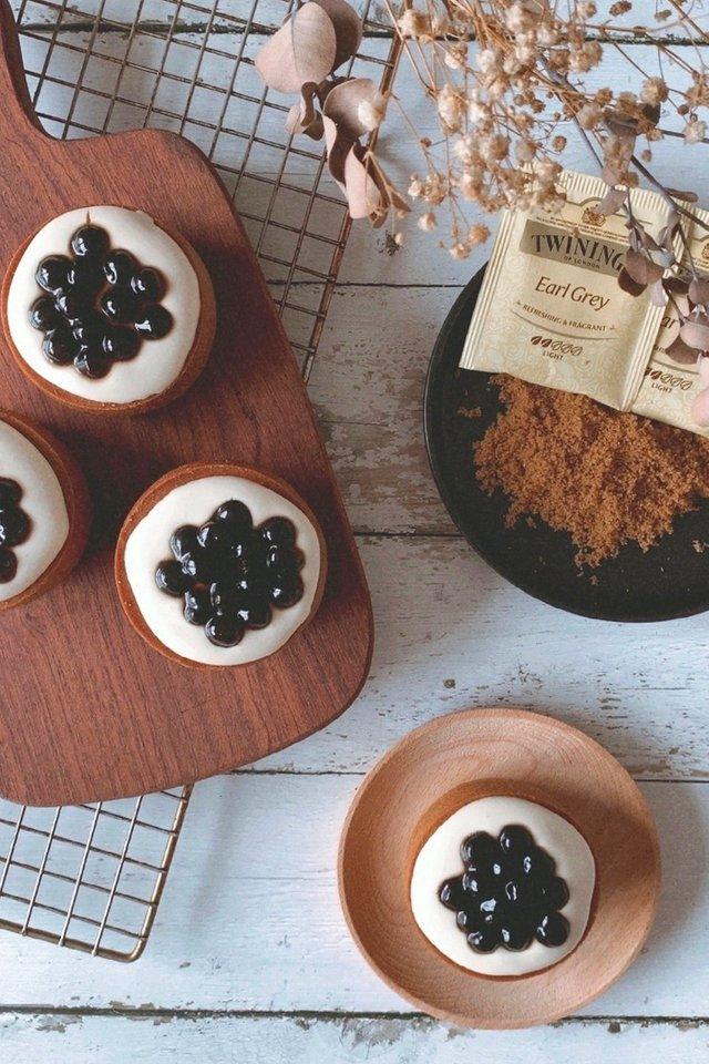 Earl Grey Boba Mochi Cupcake