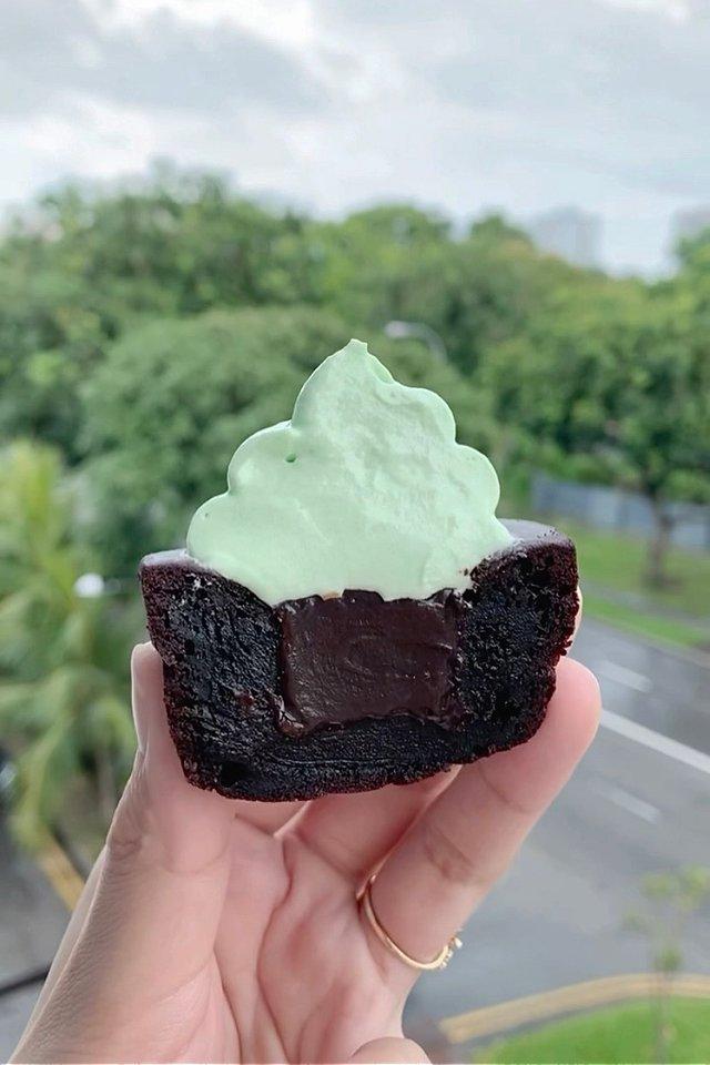 Mint Chocolate Mochi Cupcake