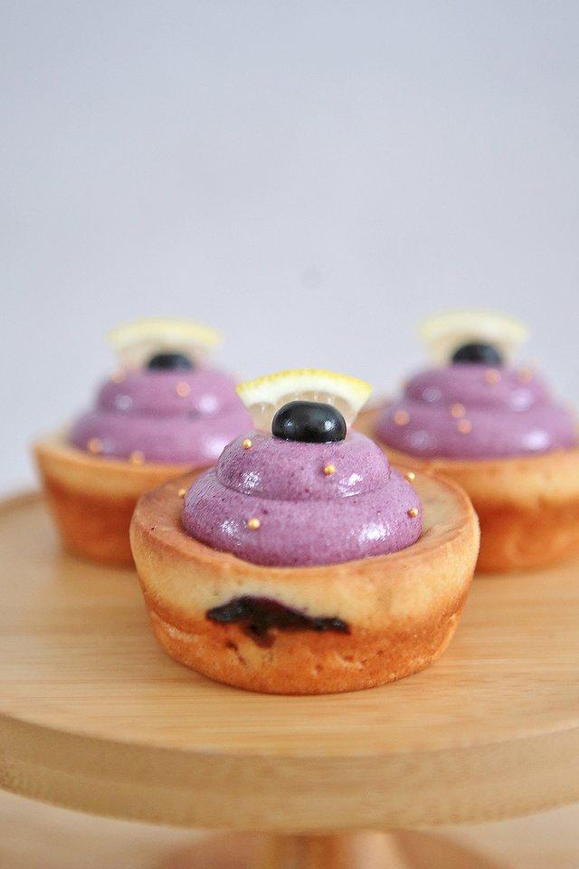 Blueberry Cream Cheese Mochi Cupcake
